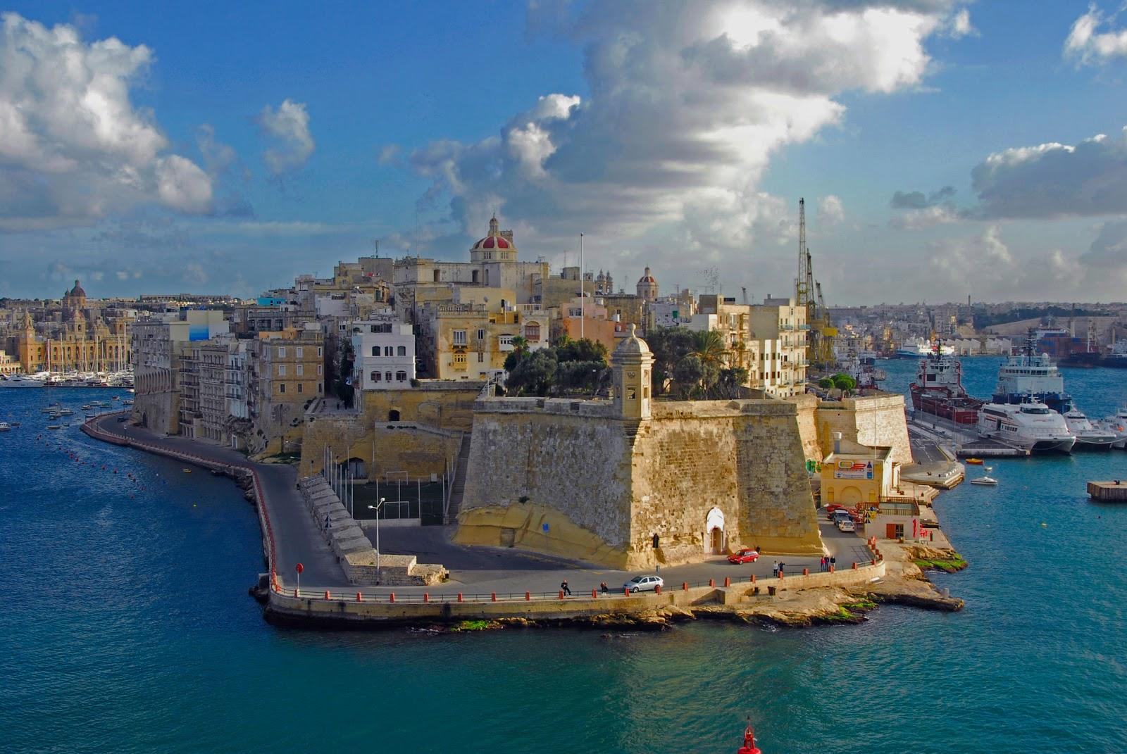 """Malta – Teatr Manoel w Valletcie – opera """"Cosi Fan Tutte"""", 5-9.03.2019"""