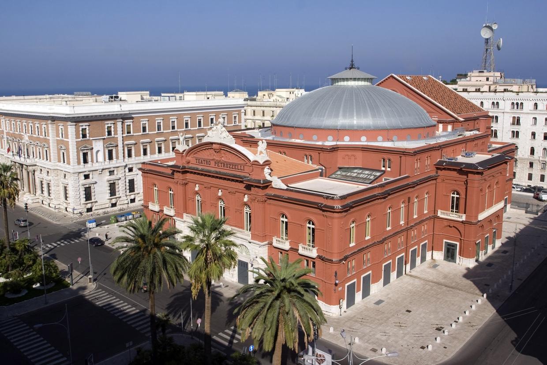 """Bari (Włochy) – opera """"Adriana Lecouvreur"""", 3-7.03.2020"""